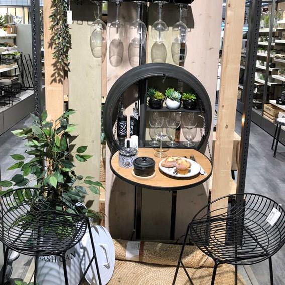 Metal Bar Sign Wine Glass Holder / Wine Bar with Foldable Shelf
