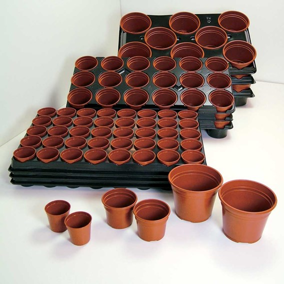 'Grow On' Pots and Trays (Medium)