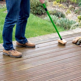 Telescopic Wire Decking Brush / Path, Patio and Decking Cleaner Concentrate
