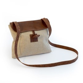 Twool Cross-Body Brown Houndstooth Bag + Au naturel Tigger Hook Lead